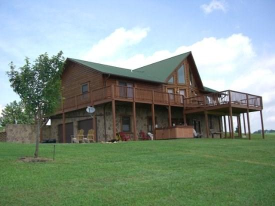 Lakeview Lodge - Lakeview Lodge ( With free community Covered Boat Slip, Hot Tub, Free wi-fi and Game Tables) Located in Rock Harbor - New Tazewell - rentals