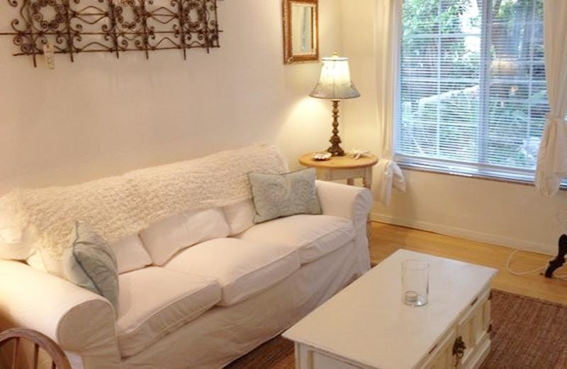 On Walkstreet,  2 Bed 2 bath, one Minute to Sand, - Image 1 - Venice Beach - rentals