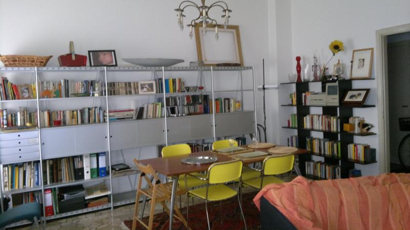 Dining area in the big living/dining - Beautiful flat in the  centre of Milano - Milan - rentals