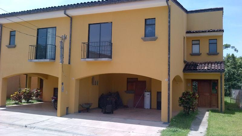 Front of the house - Beautiful house in Tamarindo, Guanacaste, CR - Tamarindo - rentals