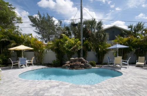 Pool 1 - SUNSET VILLA D - Holmes Beach - rentals