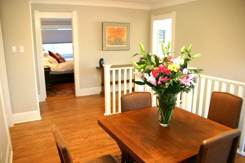 Dining room - Cambridge By the Sea - Victoria - rentals