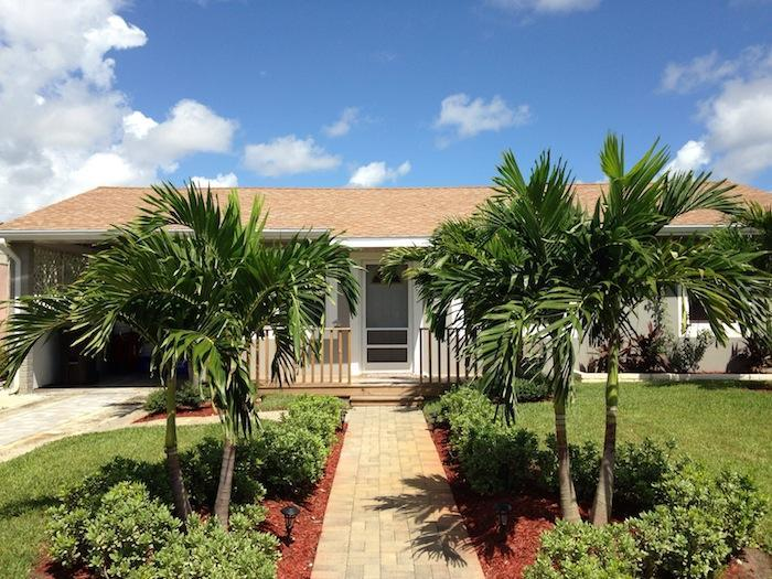 Front of the house - Charming Florida relaxing  gateaway - West Palm Beach - rentals