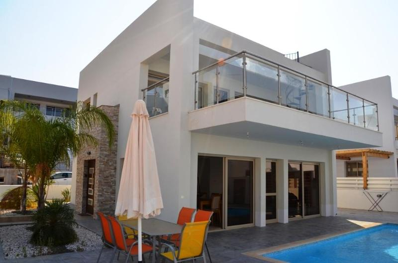3 bedroom villa on Fig Tree Bay,Protaras - Image 1 - Protaras - rentals