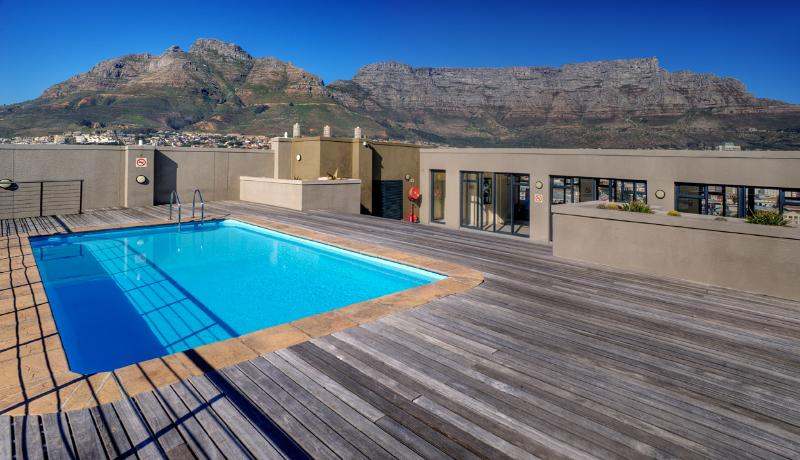 Four Seasons Studio Apartment with great views of Table Mountain - Image 1 - Cape Town - rentals