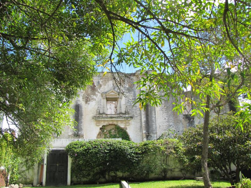 Garden - Authentic Ruin  - Centric apartment - 2 blocks from Central Park! - Antigua Guatemala - rentals