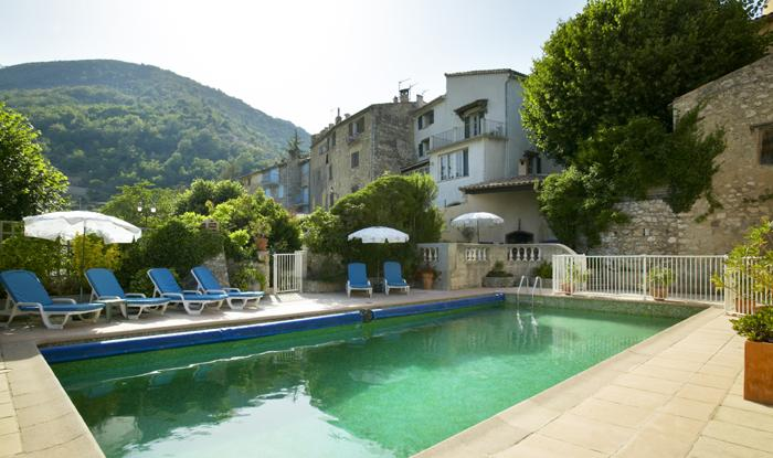 Shared Pool - Maison Rose Apartment 1 (2 Bed) with Pool & WiFi - Cap d'Ail - rentals