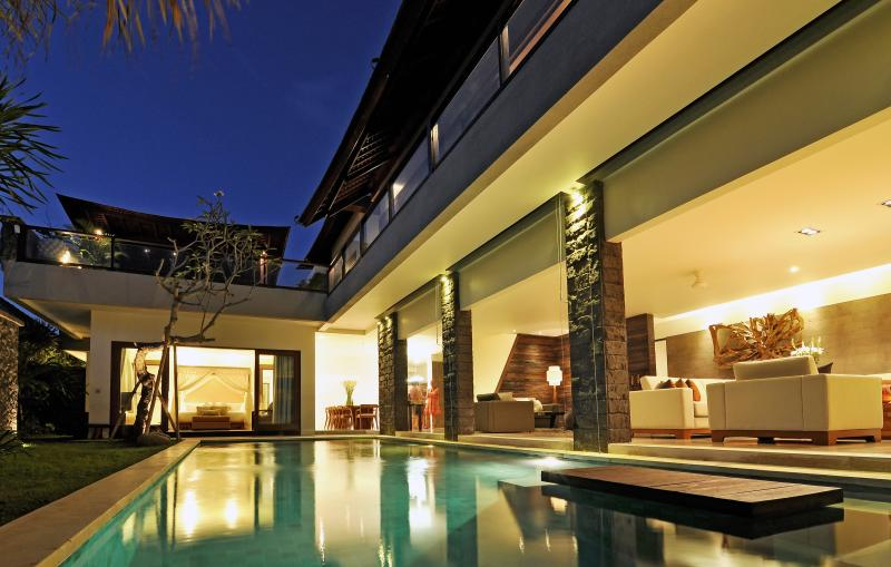 Villa at night - Allu Villa Canggu luxury accommodation - Canggu - rentals