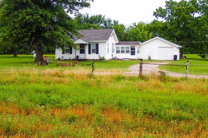 Privacy and Peacefulness - Farm House Stay - Parsons - rentals