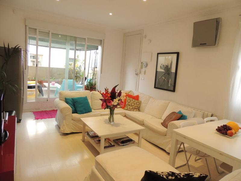 Living Room - REINA STREET. 3 Bd 140m2 TERRACE - Madrid - rentals