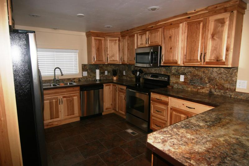 Awesome fully loaded Kitchen /w Stainless Steel appliances - Moab's- Happy Trails Retreat - Moab - rentals