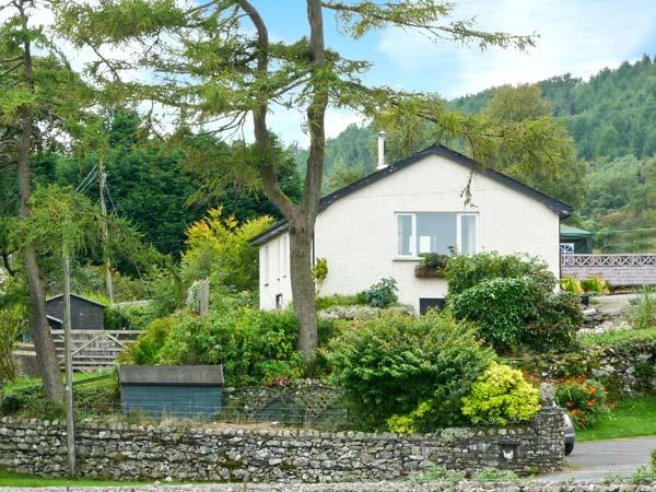 UNDERWOOD, all ground floor, en-suites, woodburner, private hot tub, near Coniston, Ref 27287 - Image 1 - Coniston - rentals