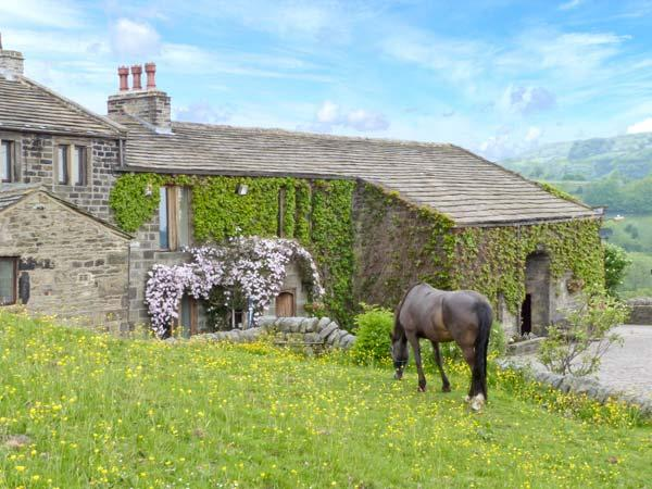 THE STABLE COTTAGE, 17th century barn conversion, off road parking, walks from door, stabling available, near Oakworth and Haworth, Ref. 29670 - Image 1 - Haworth - rentals