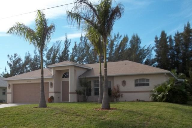 Happy Moments Canal front with Dock - Image 1 - Cape Coral - rentals