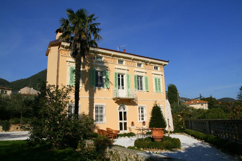 House - House in the tuscan countryside with swimming pool and garden! - Lucca - rentals