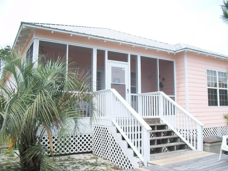 Front Of Cottage - PEACEFUL BEAUTIFUL COTTAGE: INTERNET GORGEOUS POOL - Gulf Shores - rentals