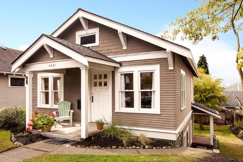 Beautiful fully remodeled cottage in Fremont.  Separate basement entrance. - Gorgeous and Spacious Cottage in Vibrant Fremont - Seattle - rentals