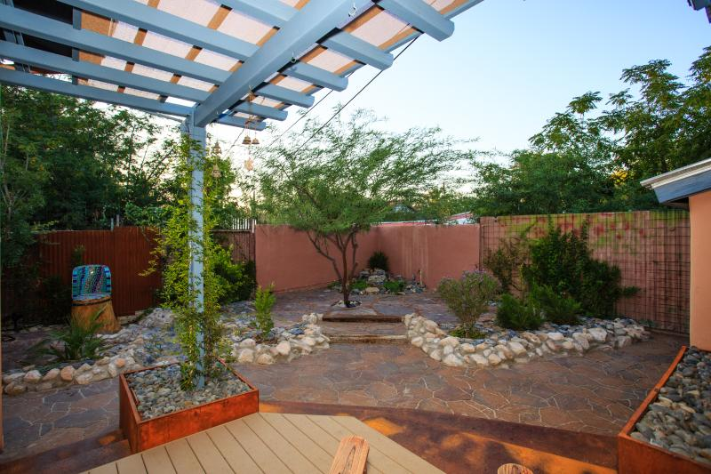 Zen xeriscaped backyard is private and quiet - Your Downtown Tucson Oasis with Spa - Tucson - rentals