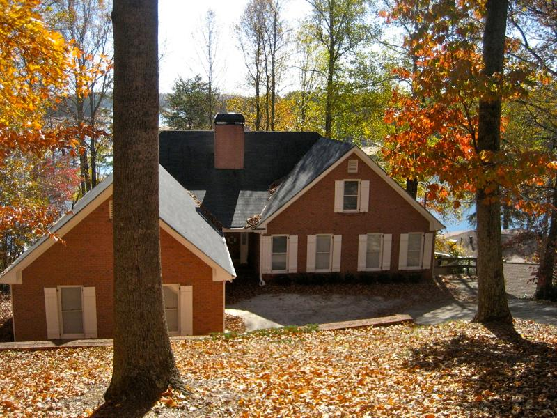 Fall Colors at the Lake Lanier Retreat. - 7 Bedroom Gorgeous Lake House Ready for Great 2014 - Gainesville - rentals