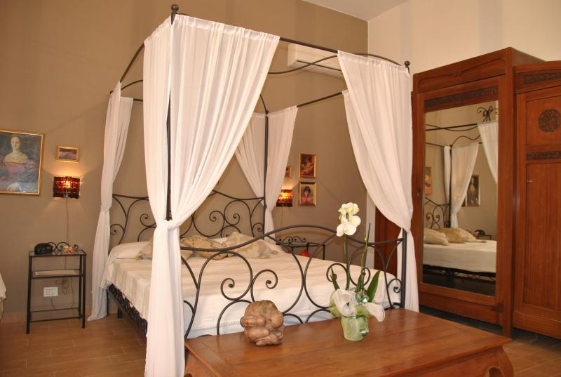 triple room - charming apartment near colosseum in rome - Rome - rentals