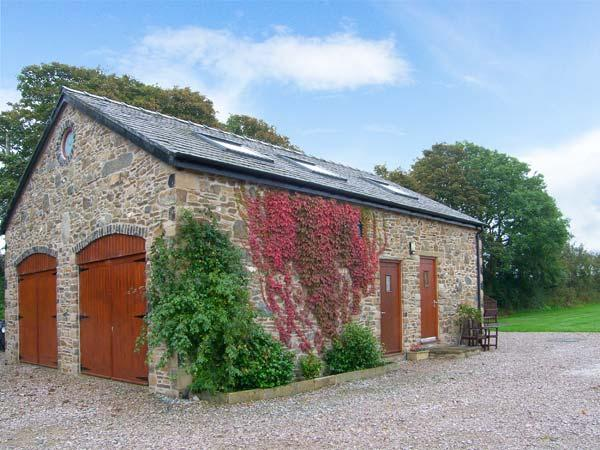 CORN MILL ANNEXE, romantic retreat, ample off road parking, lawned garden, beach 3 miles away, near Moelfre, Ref 26417 - Image 1 - Moelfre - rentals