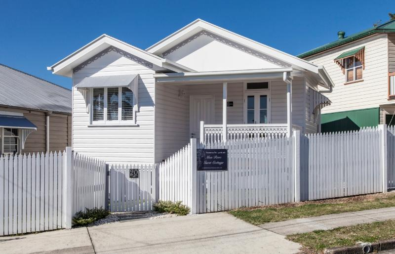 Mon Reve Street View - Mon Reve Cottage - French Style just 3 klm to CBD - Brisbane - rentals