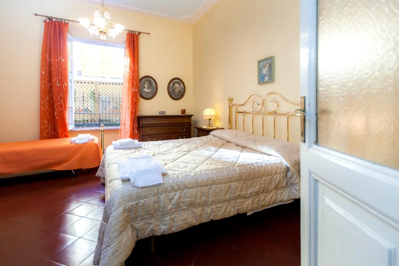 St Peter's apart, 5 min from VATICAN,WIFI,AIRCOND. - Image 1 - Rome - rentals