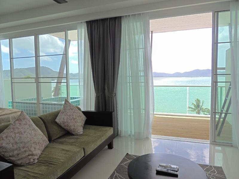 Feel the sea breeze in your open living area and terrace with a view - Seaview Loft Apartment Beachfront, Long Term Rental - Wichit - rentals