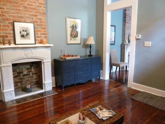 Living room/parlor - HISTORIC BYWATER VACATION HOME - NEW ORLEANS - New Orleans - rentals