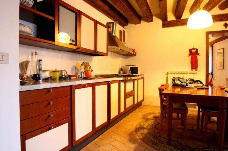 San Polo Apartment for 4 people - Image 1 - Venice - rentals
