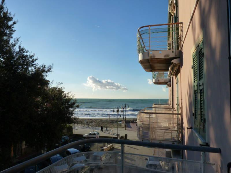 2 bedroom Apartment 20 mt.from the beach with sea view - Image 1 - Levanto - rentals