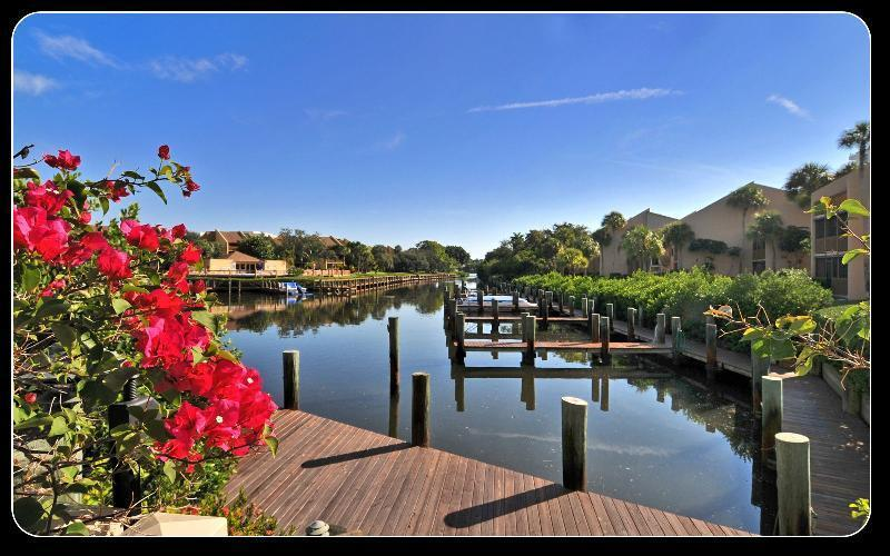 Waterfront area of unit - Waterfront Siesta Key condo with private beach - Siesta Key - rentals