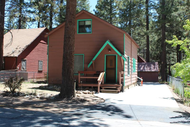 The Cozy Hangar welcomes you - Cozy Hangar - Family Friendly Big Bear City Rental - Big Bear City - rentals
