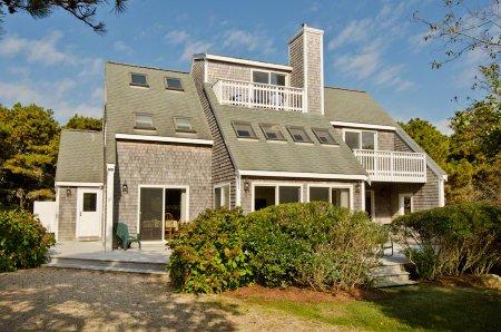TRI-LEVEL CONTEMPORARY IN KATAMA - KAT JRON-21 - Image 1 - Edgartown - rentals