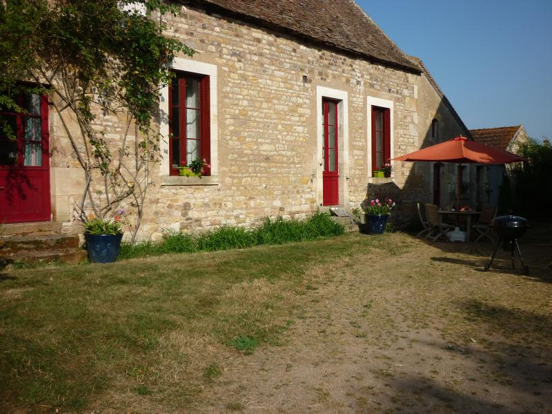 Dream in the most beautifull garden of France - Image 1 - Loye-sur-Arnon - rentals
