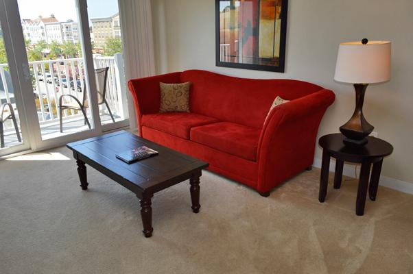 Contemporary & comfortable living room seating - BEAUTIFUL MARKET COMMON 1BR CONDO, PET FRIENDLY/HDTV/WIFI/MORE! - Myrtle Beach - rentals