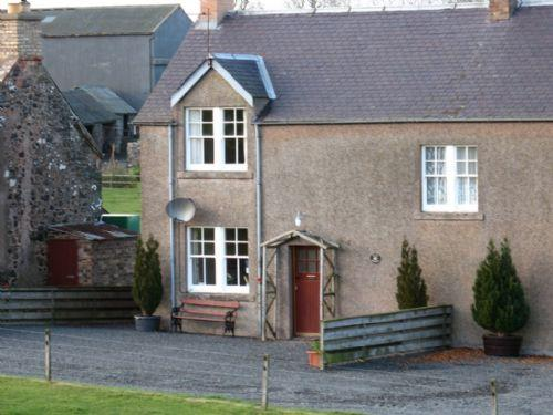 JOCKS COTTAGE, Kelso, Roxburghshire, Scottish Borders - Image 1 - Kelso - rentals