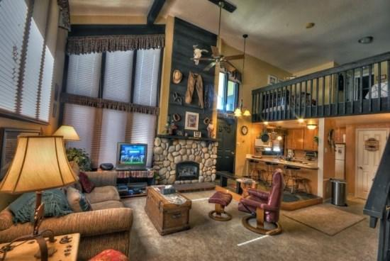 Spacious and Open Living Area With Gas Fireplace, Dramatic Vaulted Ceilings - Hillsider 6 - Steamboat Springs - rentals