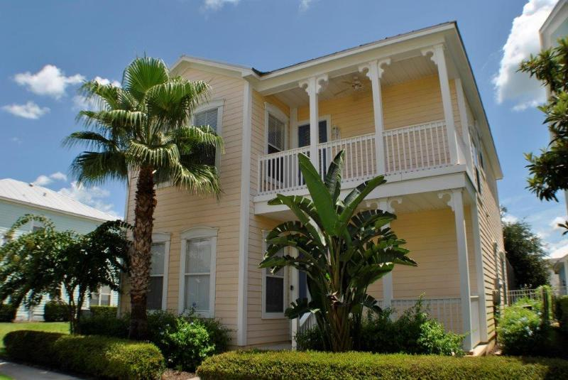Front of the house - Reunion Golf Spa Resort pool home 5 min to Disney - Reunion - rentals