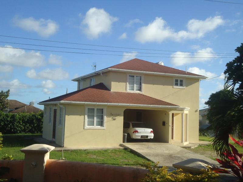 Main house and the apartment - new self-contained studio apt - Bridgetown - rentals