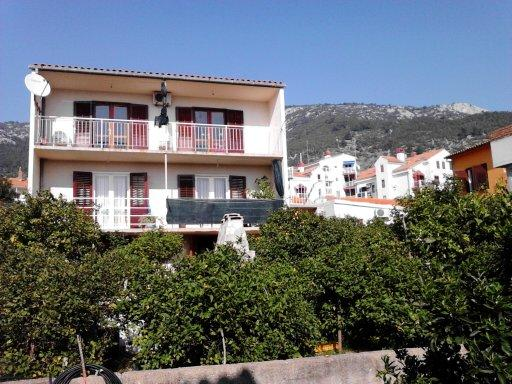 Apartment for 2 persons, with patio. Free parking - Image 1 - Komiza - rentals