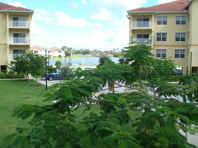 Beautiful Executive Condo - Image 1 - Fort Myers - rentals