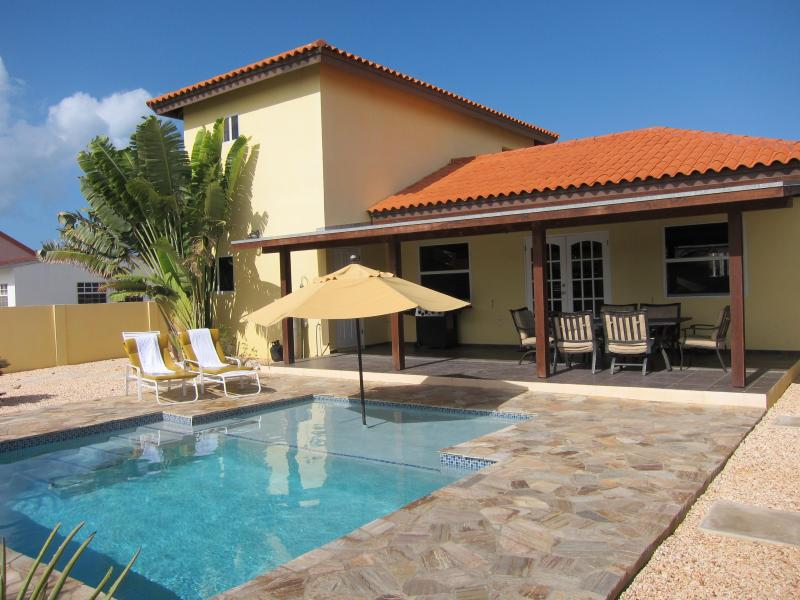 Private pool and fully fenced back yard - SAN MIGUEL VILLA - YOUR PERFECT ARUBA GETAWAY! - Noord - rentals