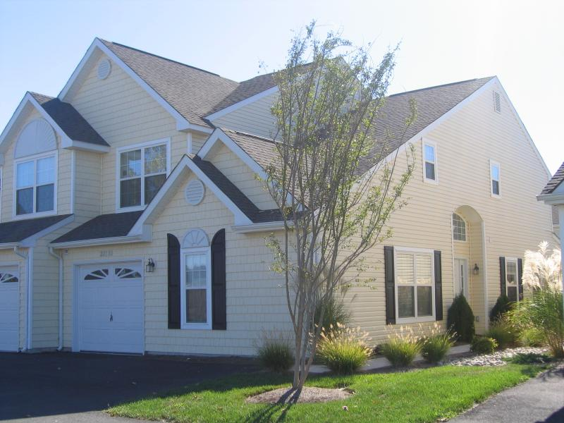 Front of Twin home - Wow! Spacious, Spectacular & Convenient! Pool & Tennis. Work with owner only! - Rehoboth Beach - rentals