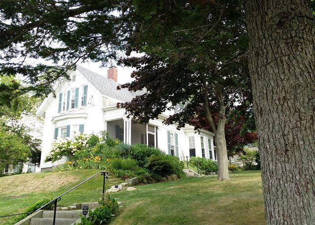 House as seen from Pleasant Street - Pleasant House in Rockport - Rockport - rentals
