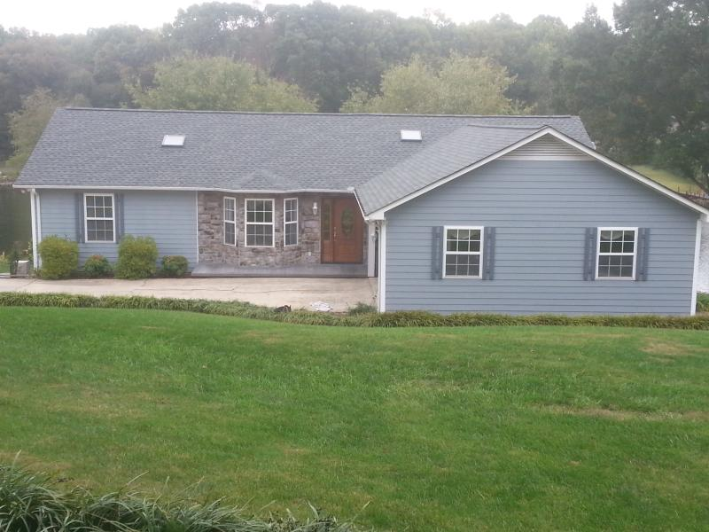 Peaceful Lakefront Home - Specials On All Remaining August Dates - Sherrills Ford - rentals