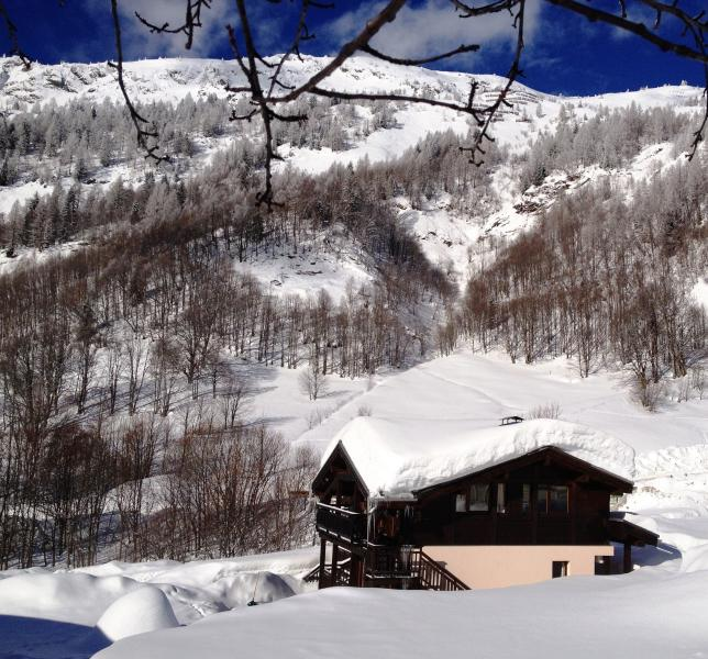 Ski-in-out Chalet with fabulous views - Huge 10 bedroom self catering chalet in Chamonix sleeps up to 20 with all the toys, ski-in-out - Argentiere - rentals