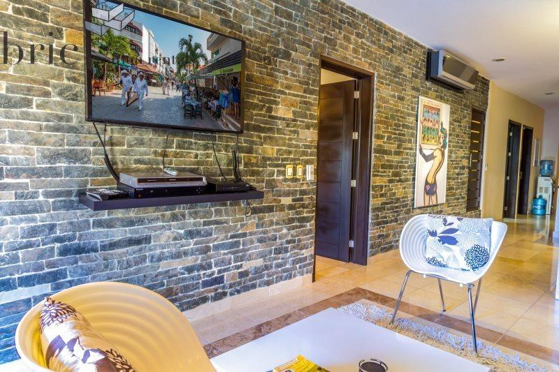Ocean Front Condo with full amenities and Services - Image 1 - Playa del Carmen - rentals