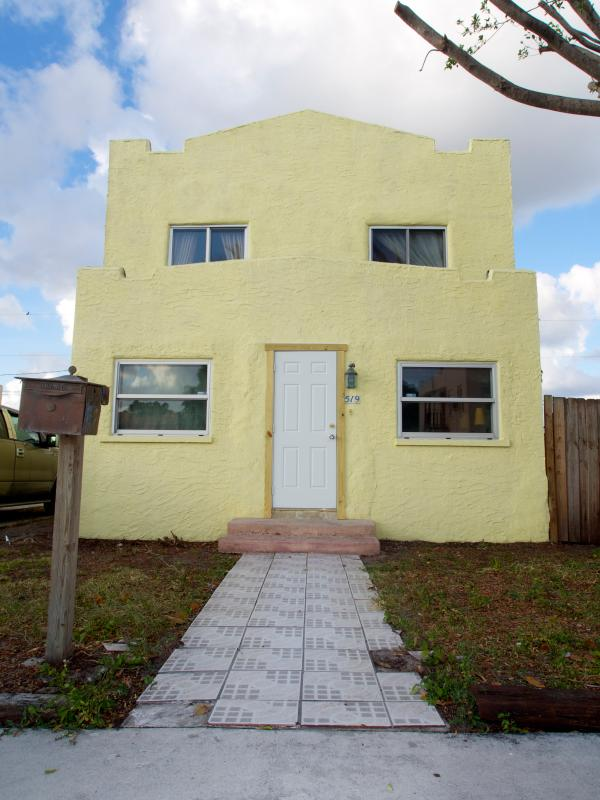 Front View - Sun in South Florida - West Palm Beach - rentals