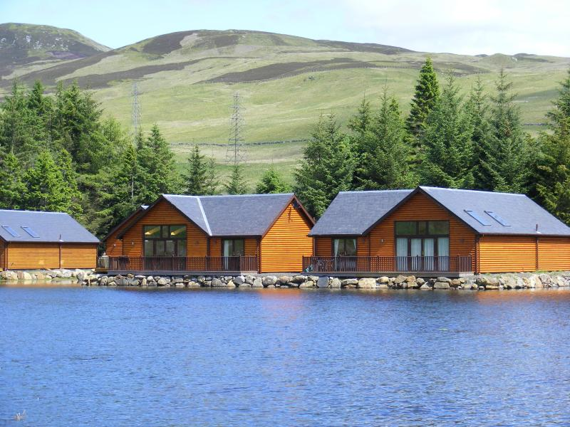 Great views from all the lodges - Luxurious Lodge overlooking a peaceful lochan. - Foss - rentals
